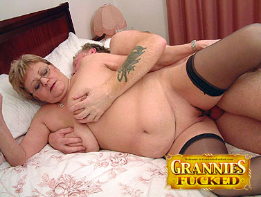 Freddies Brit granny 12 s 1 1
